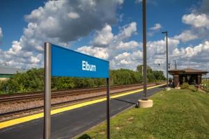 Elburn_IL_Metra_station_platform (1)