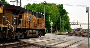 Train_crossing_in_West_Chicago (1)